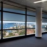 Рулонные шторы на большие окна в помещении