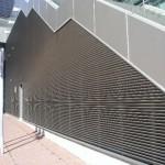 Фасадные жалюзи (неподвижные) на здании