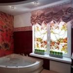 Австрийские шторы в ванной комнате: фото