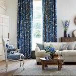 прямые шторы в гостинной